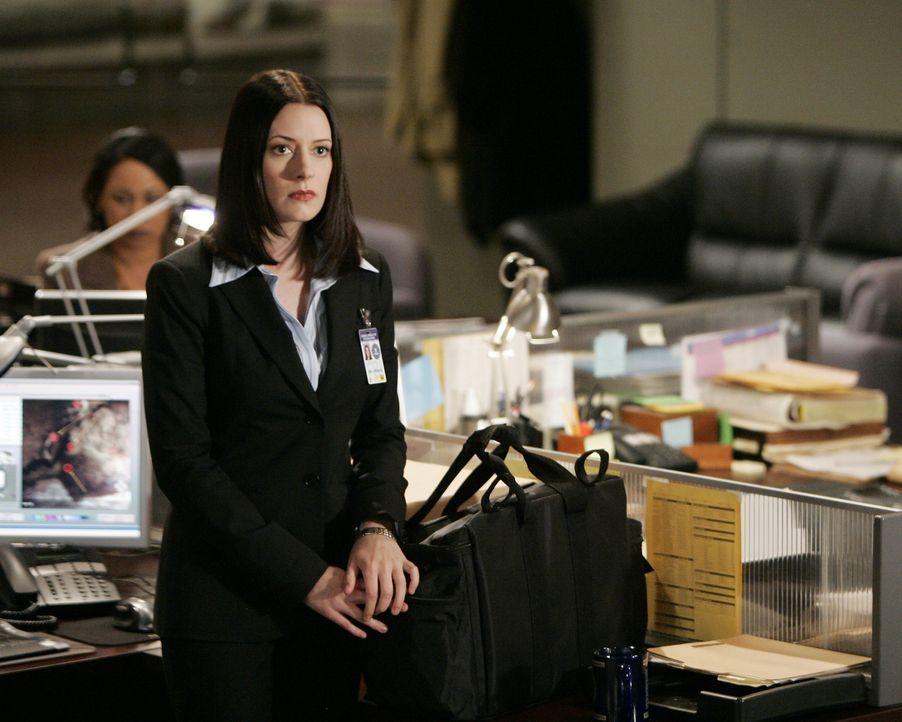 Neu im Team: Emily Prentiss (Paget Brewster) ... - Bildquelle: Touchstone Television