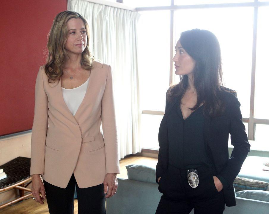 Als sich in L.A. ein weiterer Frauenmord ereignet, bei dessen Opfer es eine Verbindung zu den Selbsthilfegruppen für Sexsüchtige gibt, ermitteln Vic... - Bildquelle: Warner Bros. Entertainment, Inc.