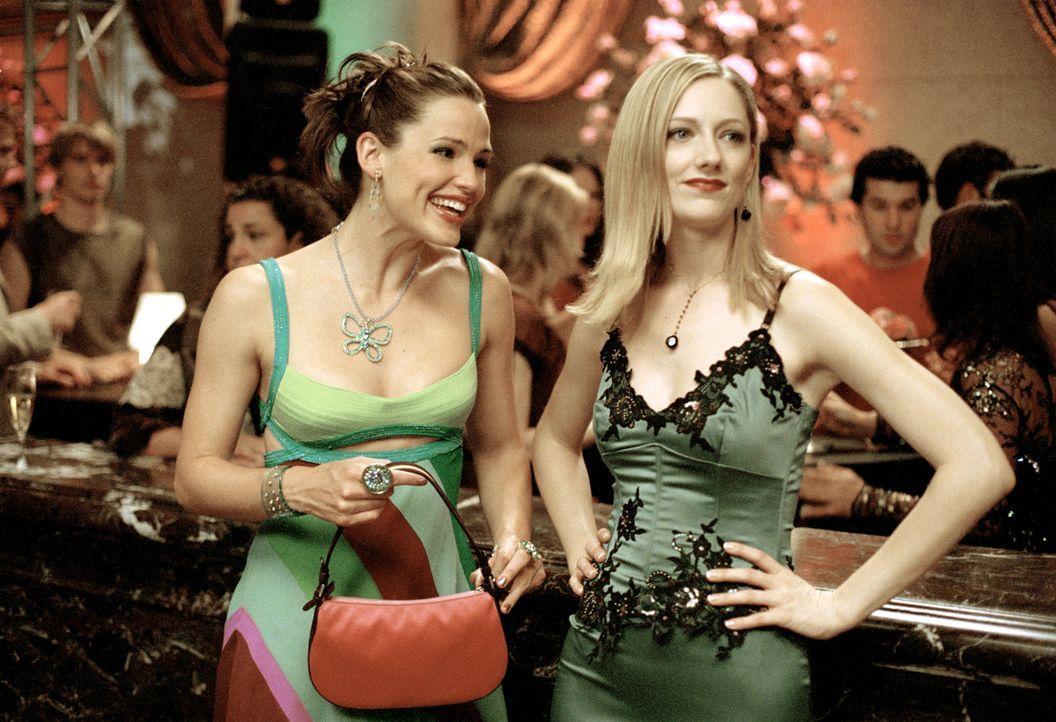 Lucy (Judy Greer, r.) behauptet, ihre beste Freundin zu sein. Doch kann Jenna (Jennifer Garner, l.) ihr glauben? - Bildquelle: Sony Pictures Television International. All Rights Reserved.