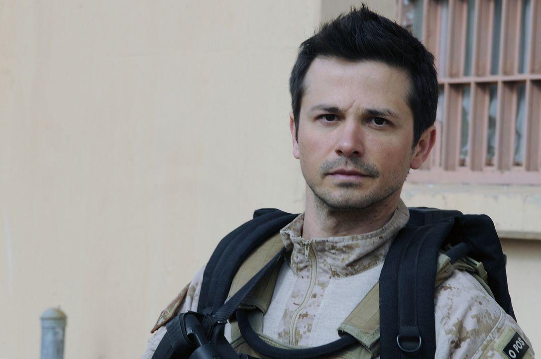 Weiß nicht, auf welche Mission er sich da eingelassen hat: Trench (Freddy Rodriguez) ... - Bildquelle: 2012, Falcom Media