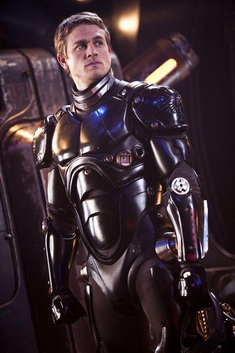 Als Pilot eines Jaeger-Kampfroboters riskiert Raleigh Becket (Charlie Hunnam) sein Leben, um die Erde vor außerirdischen Monstern zu verteidigen ... - Bildquelle: 2013 Warner Bros. Entertainment Inc. and Legendary Pictures Funding, LLC