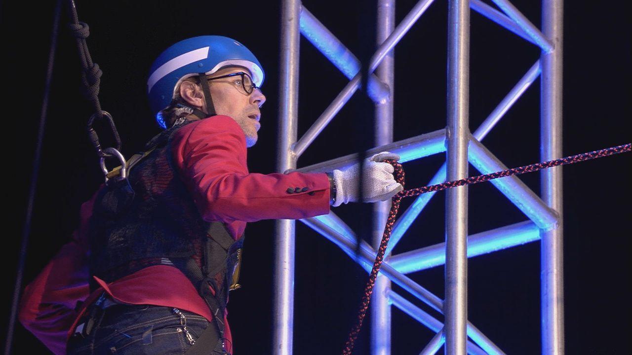 Jens in schwindelerregender Höhe beim Duell - Bildquelle: SAT.1