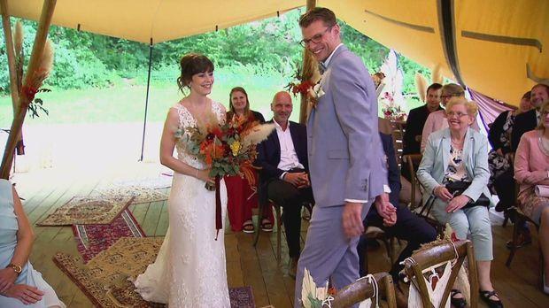 Hochzeit Auf Den Ersten Blick - Hochzeit Auf Den Ersten Blick - Annika Und Manuel Wagen Sich Zaghaft In Die Ehe