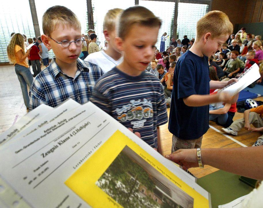 Abgangszeugnis Grundschule - Bildquelle: dpa