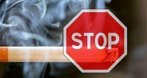 Zigarette und Stop Zeichen