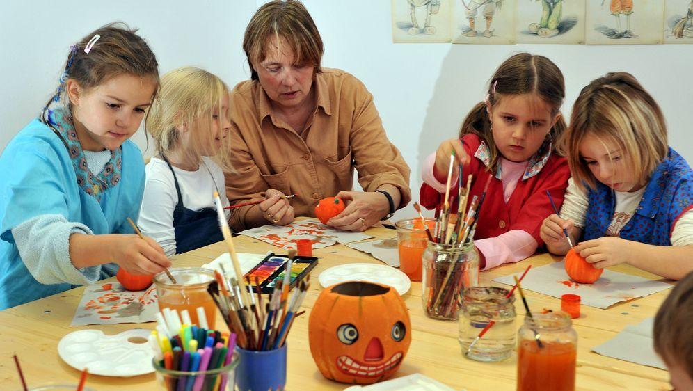 malvorlagen halloween unheimlich kreativ werden  sat1