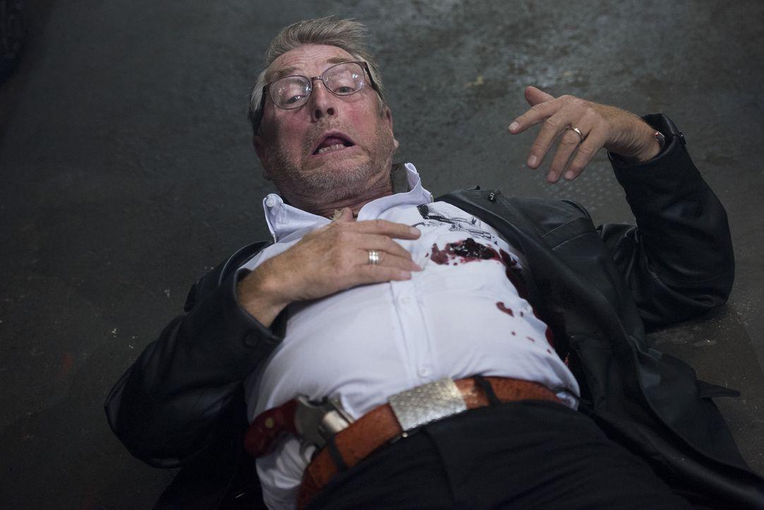 Begeht einen tödlichen Fehler: der skrupellose Schrotthändler Horst Drossard (Martin Semmelrogge) ... - Bildquelle: Martin Rottenkolber SAT.1
