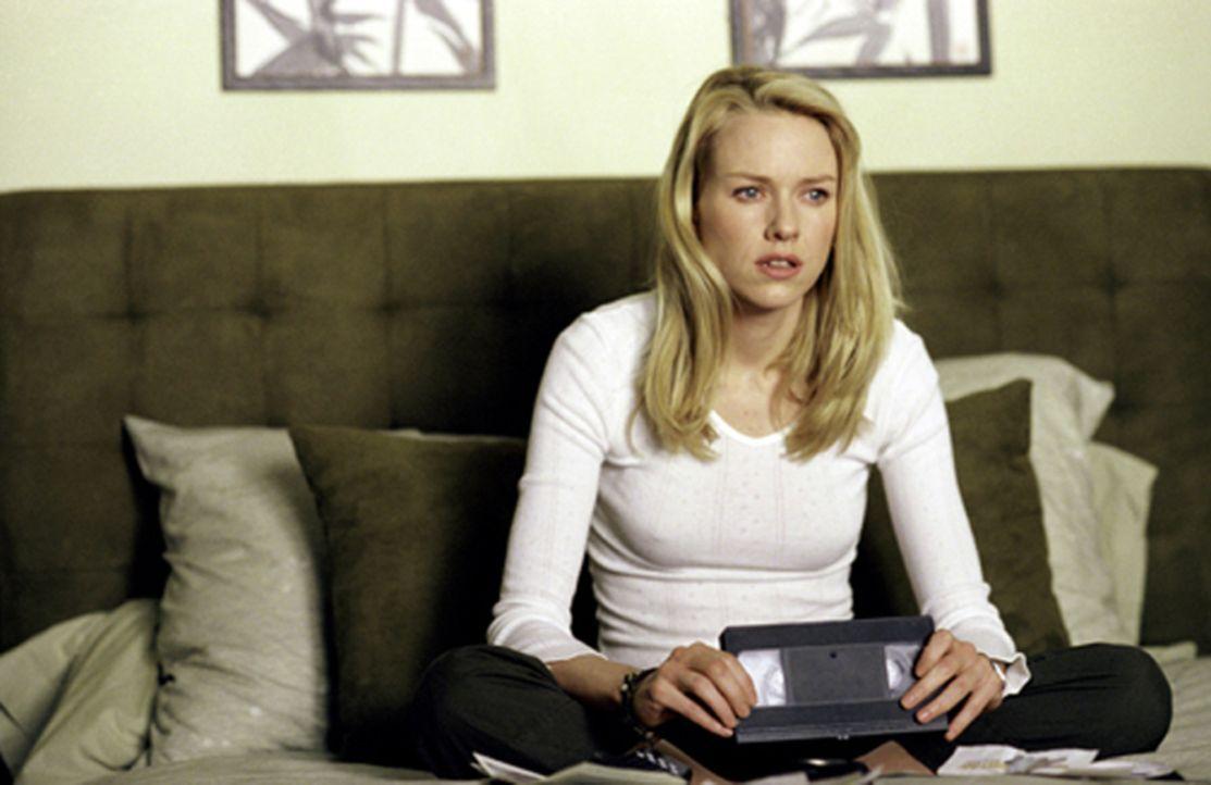 Es gibt ein Video - wenn du es siehst, wirst du sterben. In sieben Tagen! Für die Journalistin Rachel (Naomi Watts) klingt das mehr nach einer Teena... - Bildquelle: TM &   2002 Dreamworks LLC. All Rights Reserved
