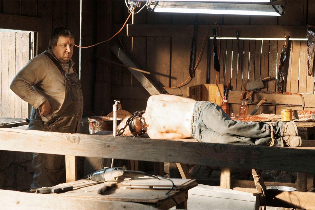 Im Auftrag seines Bruders schlachtet Lucas (Paul Rae, l.) auf brutalste Weise Menschen. Wird ihn das BAU-Team stoppen können? - Bildquelle: Touchstone Television