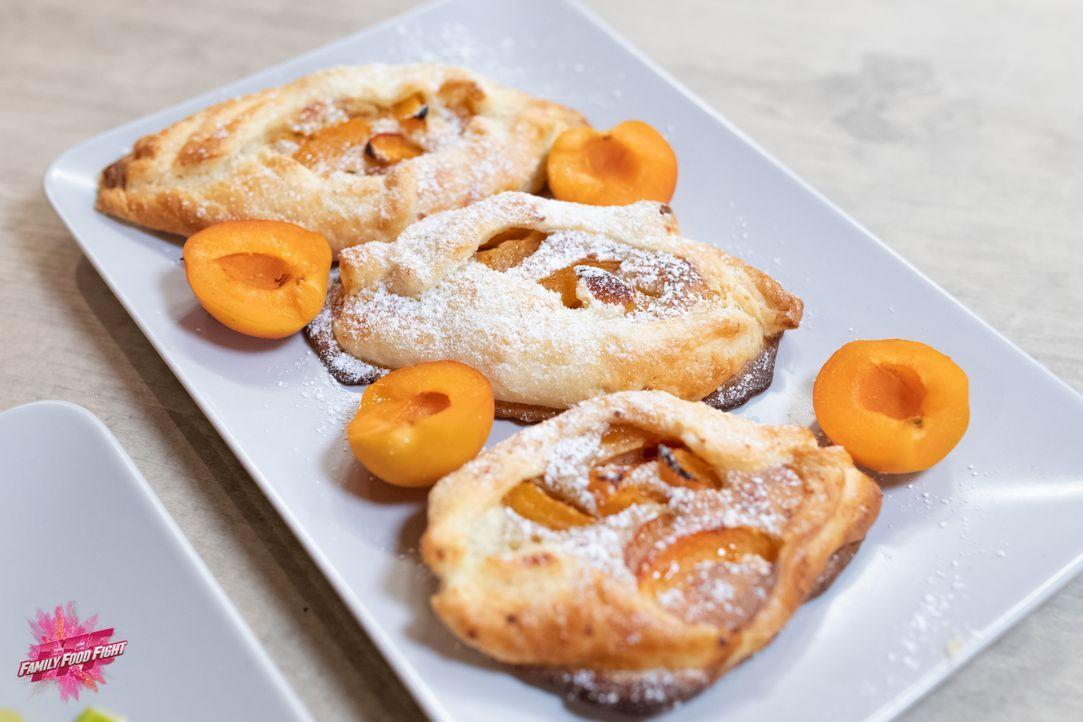Aprikose im Schiffli - Bildquelle: Stefanie Chareonbood