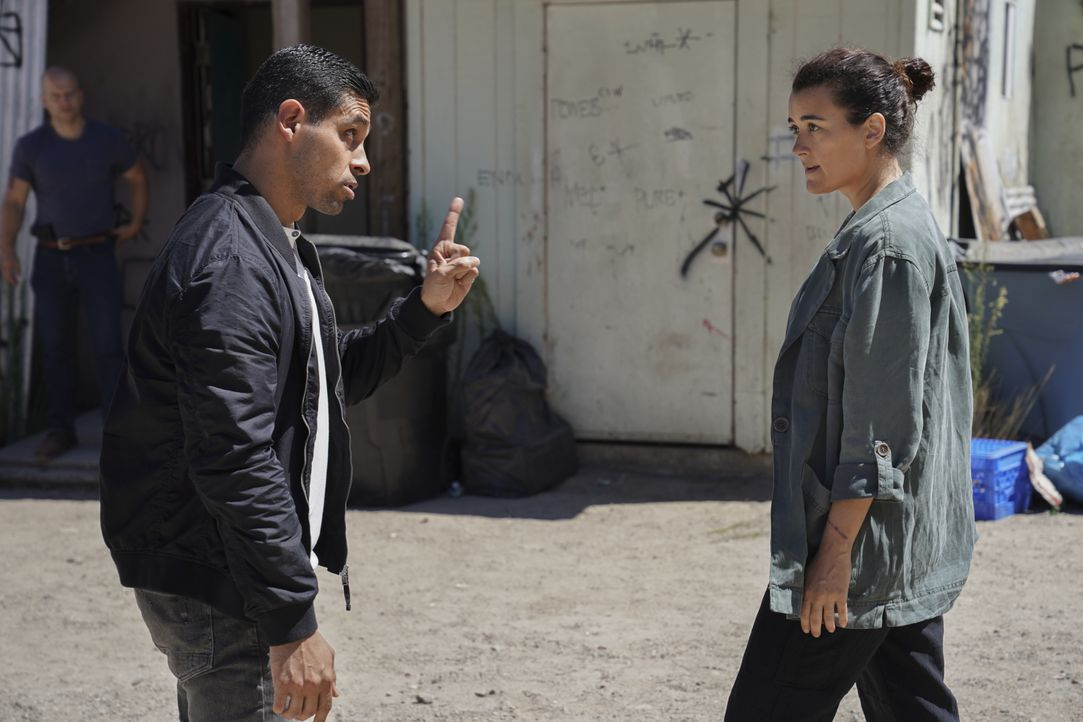 Nick Torres (Wilmer Valderrama, l.); Ziva David (Cote de Pablo, r.) - Bildquelle: Michael Yarish 2019 CBS Broadcasting, Inc. All Rights Reserved. / Michael Yarish