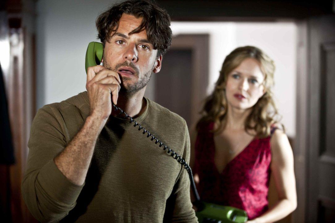Laurin hätte es nicht für möglich gehalten, aber Gabriel (Stephan Luca, l.) erweist sich als äußerst standhaft. Und auch Maria (Stefanie Stappe... - Bildquelle: SAT.1