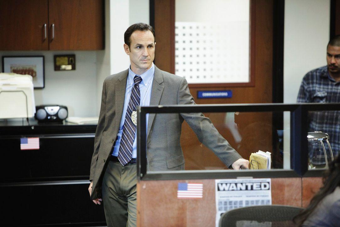 Ruft Sam und sein Team zur Hilfe, um einen Mord aufzuklären: Det. Bobby Turner (Vince Duvall) ... - Bildquelle: ABC Studios