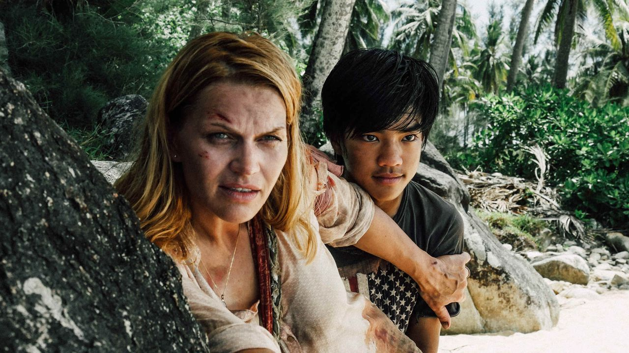 Als Anna (Anna Loos, l.) der Sohn (Kavipat Liawpairoj-Gus Gang, r.) des Chef-Piraten in die Hände fällt, sieht sie ihre Chance gekommen ... - Bildquelle: Hans-Joachim Pfeiffer SAT.1
