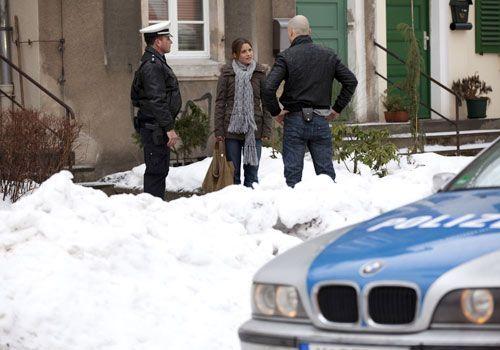 Als Bea nach dem Krankenhausbesuch bei Gabriele nach Hause kommt, erwartet sie dort eine böse Überraschung ... - Bildquelle: David Saretzki - Sat1