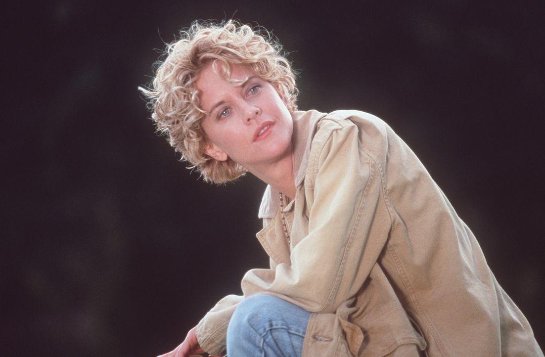In der tiefsten Krise ihre Lebens lernt die schöne Ärztin Maggie (Meg Ryan) den geheimnisvollen Seth kennen. Doch die Gefühle, die er in ihr weck... - Bildquelle: Warner Bros.