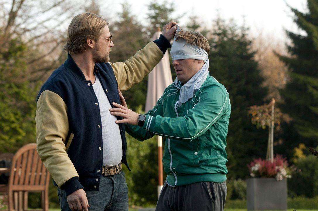 """Der Weg zum Du - für Mick (Henning Baum, l.) """"Kokolores"""". Doch als dann eine Patientin von seiner """"Psychotante"""" ermordet wird, schiebt er (fast) al... - Bildquelle: SAT.1"""