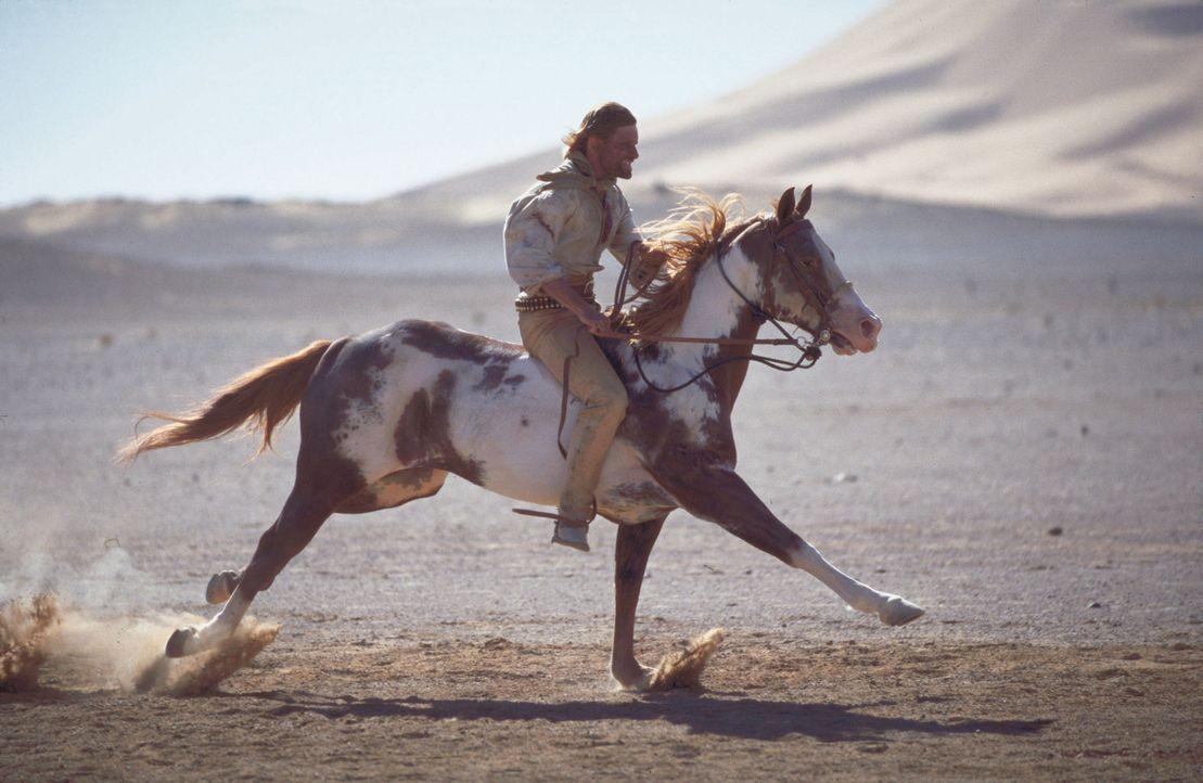 3000 Meilen durch die brütend heiße Wüste: Frank Hopkins (Viggo Mortensen) ... - Bildquelle: Walt Disney Pictures. All rights reserved