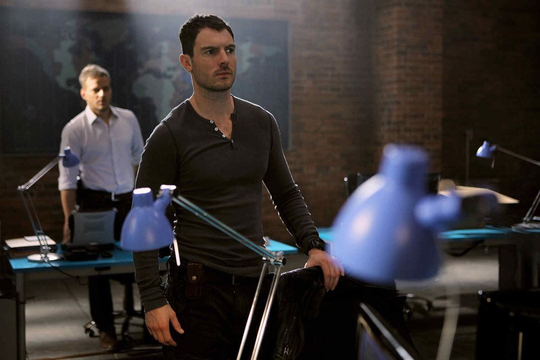 Nach Siennas Tod gerät Tommy (Richard Flood) in eine Sinnkrise. Doch dann stößt das Team auf eine dubiose Mordserie ... - Bildquelle: 2013 Tandem Productions GmbH, TF1 Production SAS. All rights reserved
