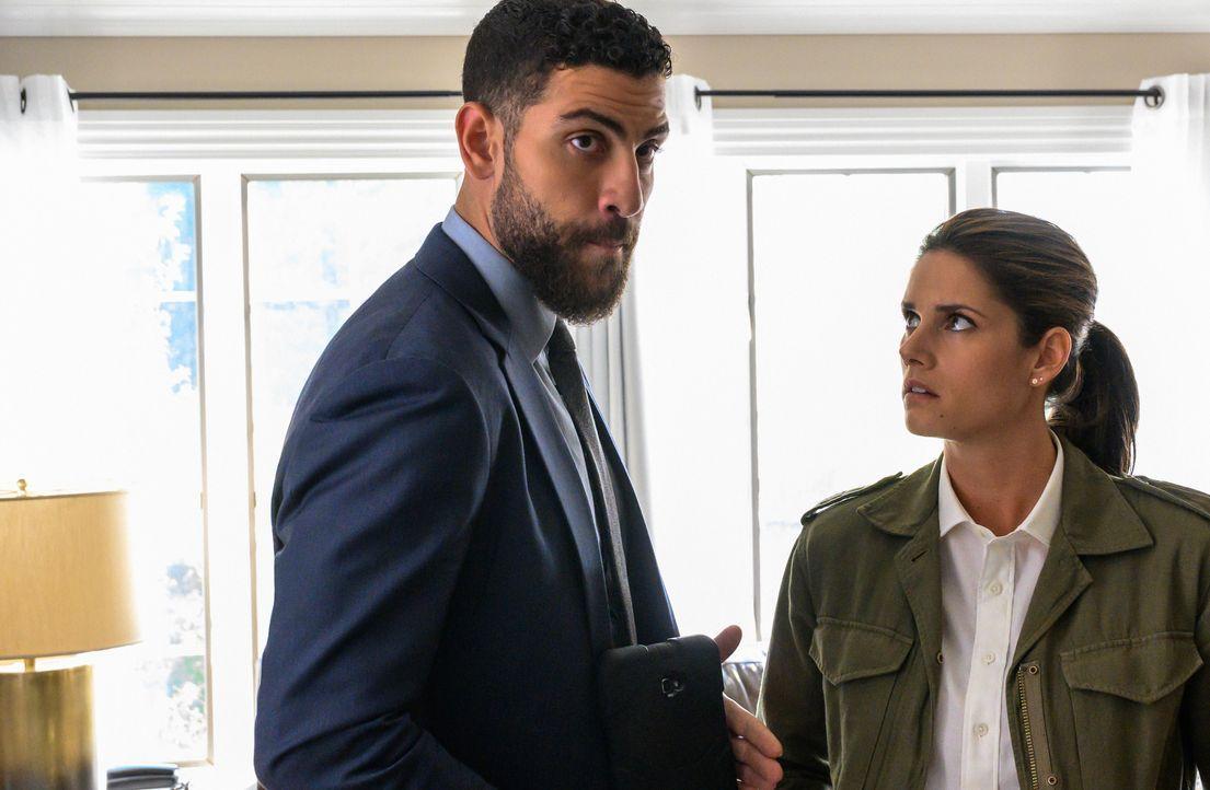Special Agent Omar Adom 'OA' Zidan (Zeeko Zaki, l.); Special Agent Maggie Bell (Missy Peregrym, r.) - Bildquelle: Mark Schafer 2019 CBS Broadcasting, Inc. All Rights Reserved. / Mark Schafer