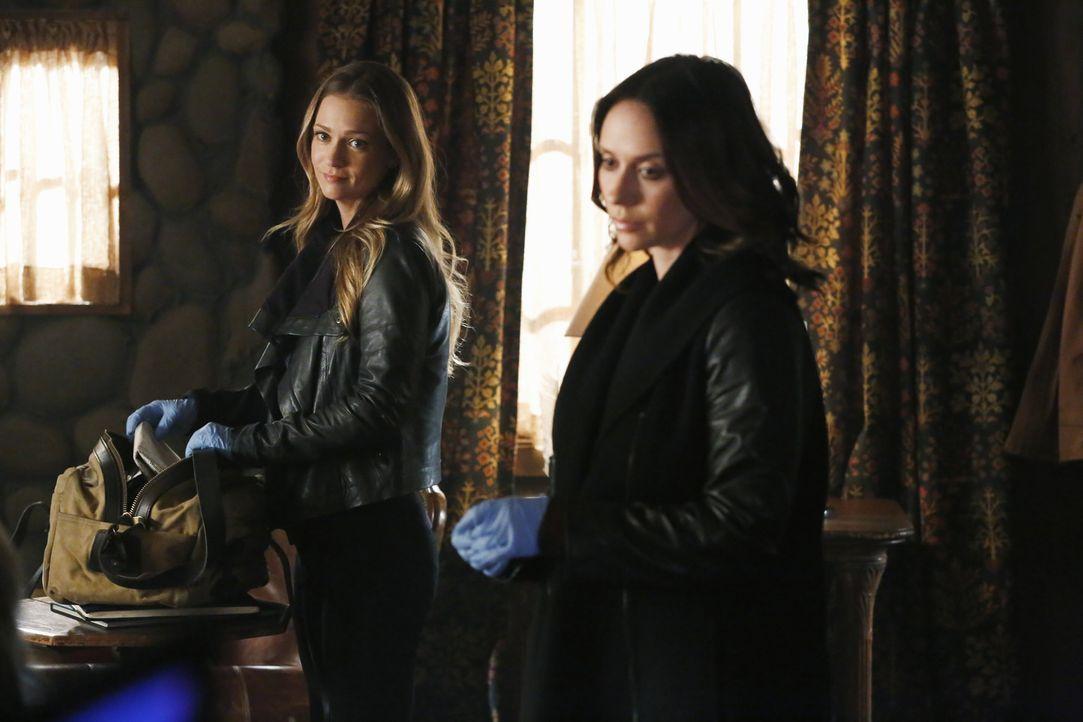 Ein Wettlauf gegen die Zeit beginnt für das Team um JJ (AJ Cook, l.) und Kate (Jennifer Love Hewitt, r.), um einen Serienkiller zu stoppen, bevor es... - Bildquelle: ABC Studios