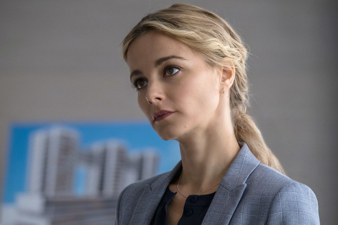 Kann Detective Lizzie Needham (Bojana Novakovic) die Medien von ihrem Fall fernhalten? - Bildquelle: Jeff Neumann 2017 CBS Broadcasting, Inc. All Rights Reserved/Jeff Neumann
