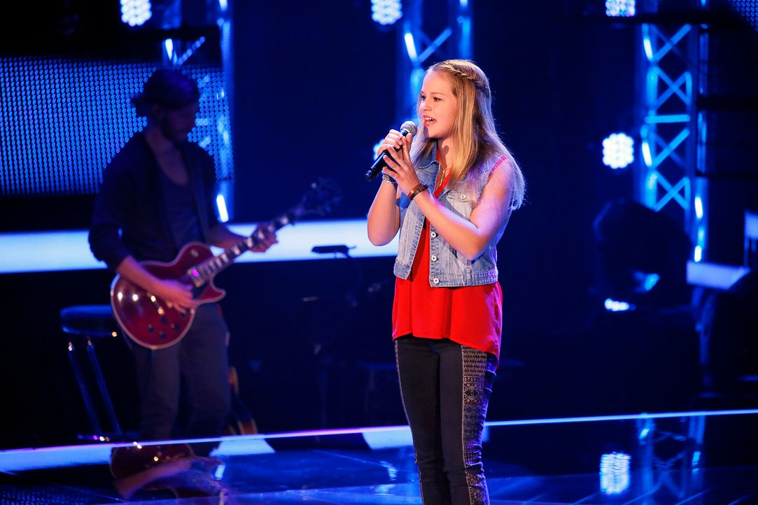 The-Voice-Kids-s04e01-Emily-SAT1-Richard-Huebner - Bildquelle: SAT.1/ Richard Huebner