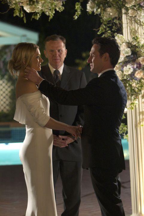 Geben sich das JA-Wort: Will (Josh Stewart, r.) und JJ (A. J. Cook, l.) ... - Bildquelle: ABC Studios