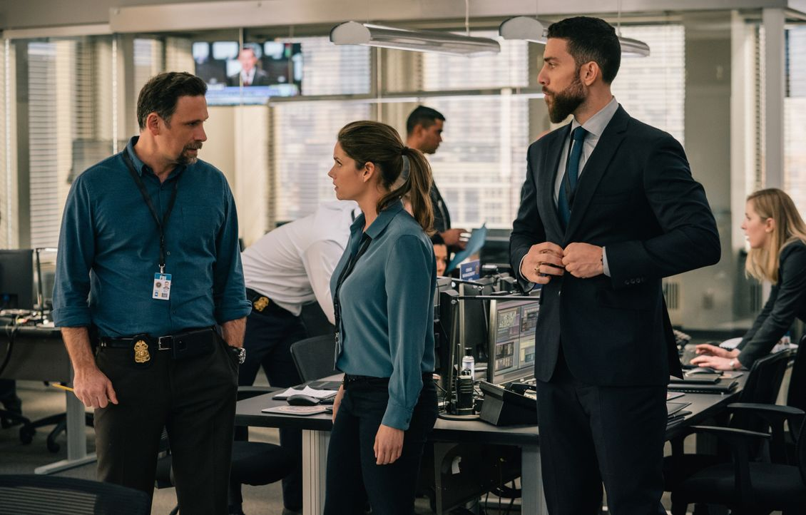 (v.l.n.r.) Jubal Valentine (Jeremy Sisto); Special Agent Maggie Bell (Missy Peregrym); Special Agent Omar Adom 'OA' Zidan (Zeeko Zaki) - Bildquelle: Michael Parmelee 2020 CBS Broadcasting Inc. All Rights Reserved. / Michael Parmelee