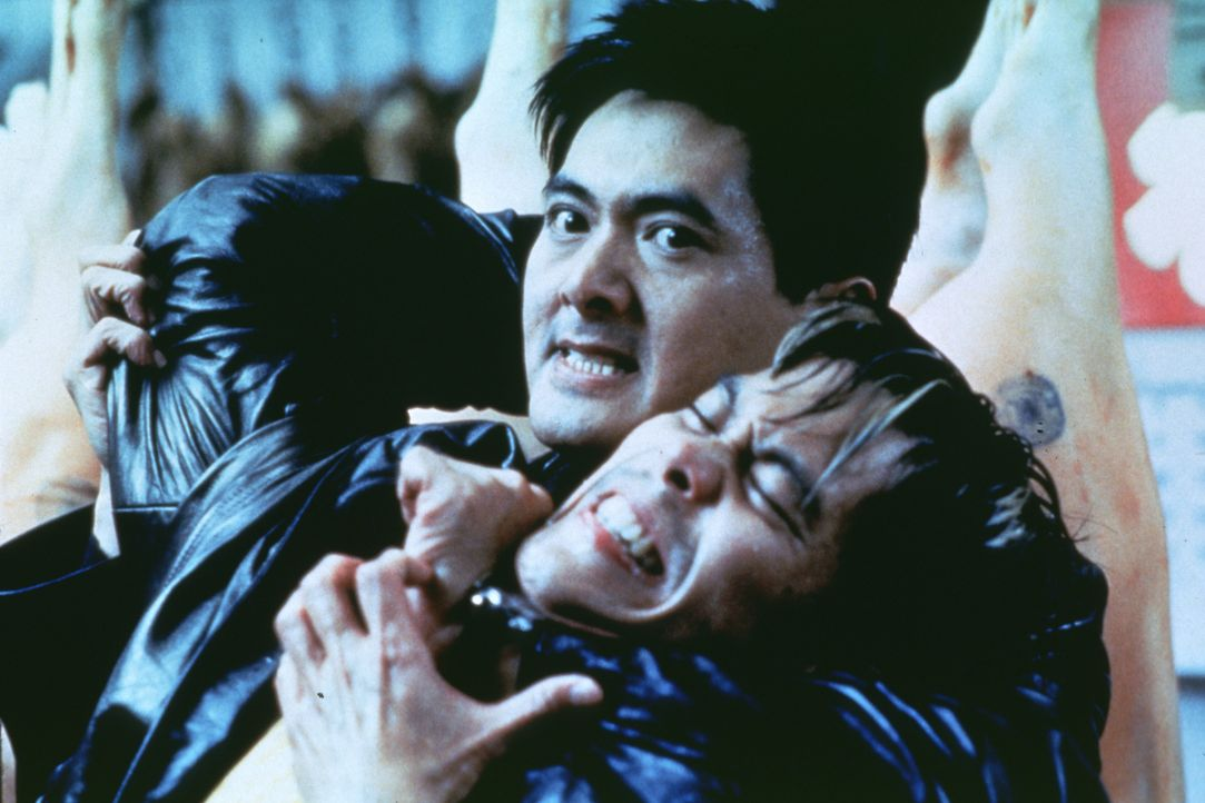 Der Bandenkrieg fordert immer neue Opfer. Da greift sich Nick (Yun Fat Chow, l.) Bandenboss Bobby Vu (Byron Mann, r.) ... - Bildquelle: Kinowelt Filmverleih GmbH