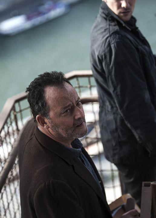 Versucht, auf seine ganz eigene Art einen Mordfall aufzudecken: Jo (Jean Reno) ... - Bildquelle: Stéphanie Dupont Atlantique Productions