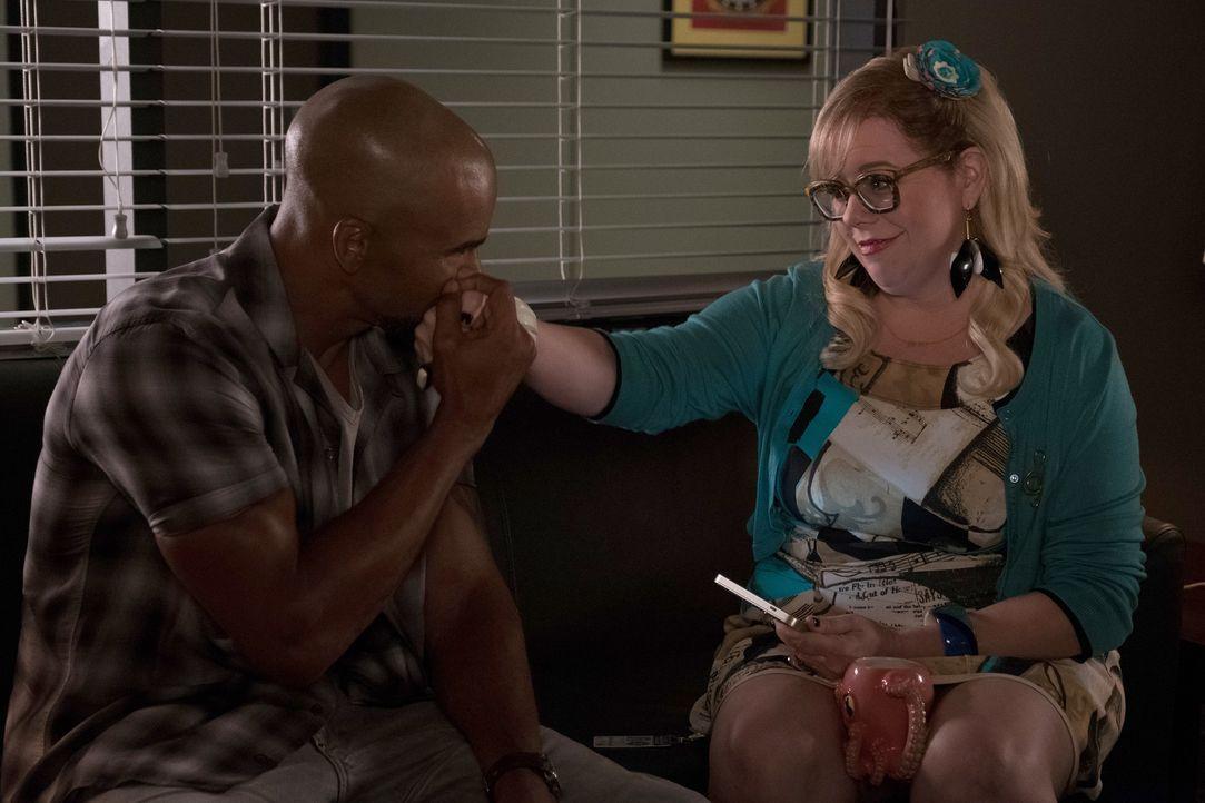 Kommen da etwa alte Gefühle zwischen Derek (Shemar Moore, l.) und Garcia ( Kirsten Vangsness, r.) auf? - Bildquelle: ABC Studios