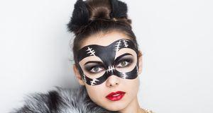 Faschingskostüme_2015_11_09_Catwoman-Kostüm_Bild 1_fotolia_olgaosa