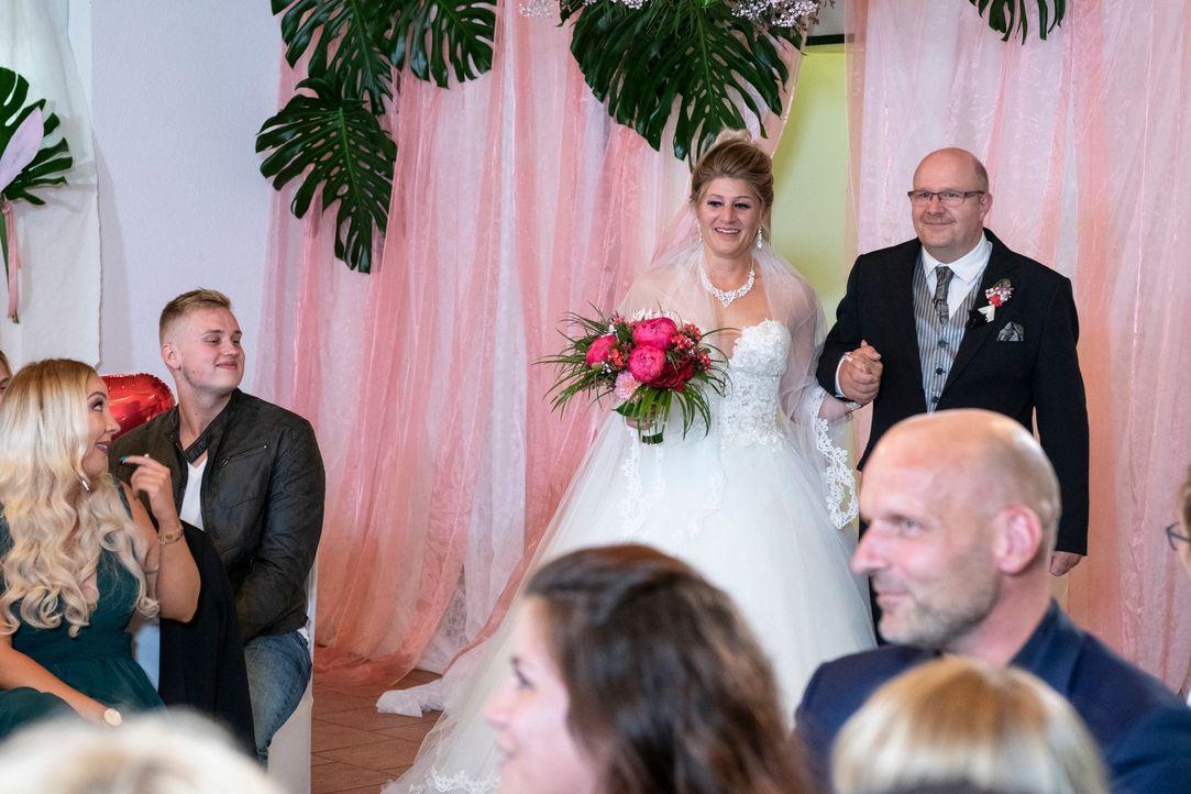 Samantha und Serkan: Die Hochzeit1 - Bildquelle: SAT.1 / Christoph Assmann