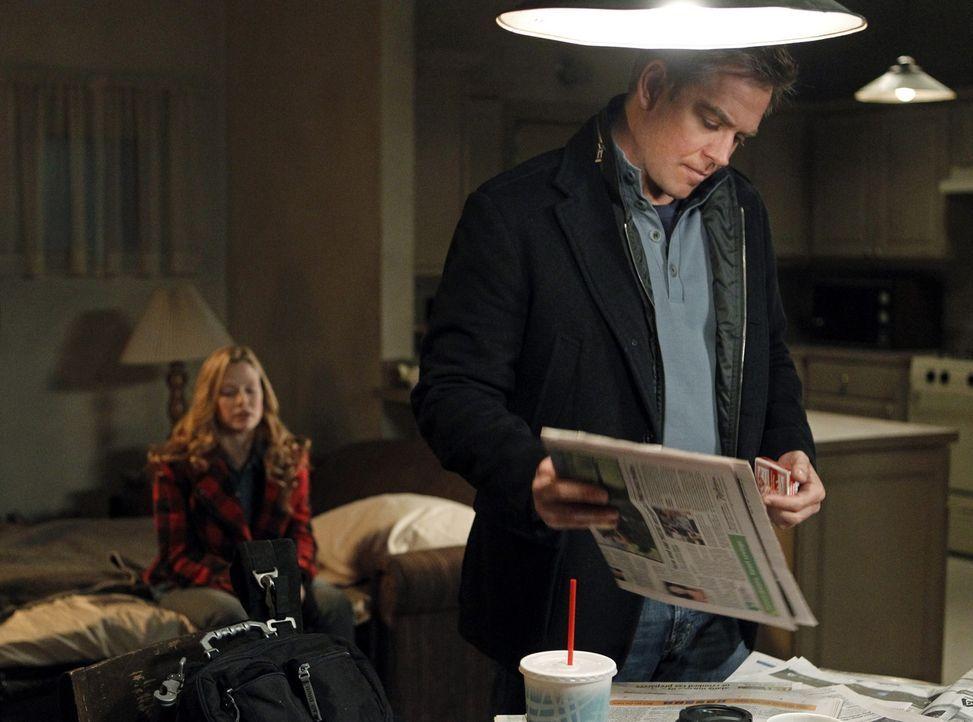 Während Tony (Michael Weatherly, r.) und seine Kollegen den Mord an einem Navy Commander untersuchen, stoßen sie auf den Aufenthaltsort von E.J. B... - Bildquelle: CBS Television