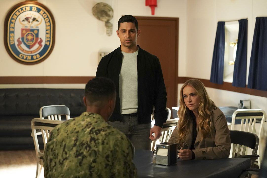 Nick Torres (Wilmer Valderrama, l.); Ellie Bishop (Emily Wickersham, r.) - Bildquelle: Michael Yarish 2019 CBS Broadcasting, Inc. All Rights Reserved. / Michael Yarish
