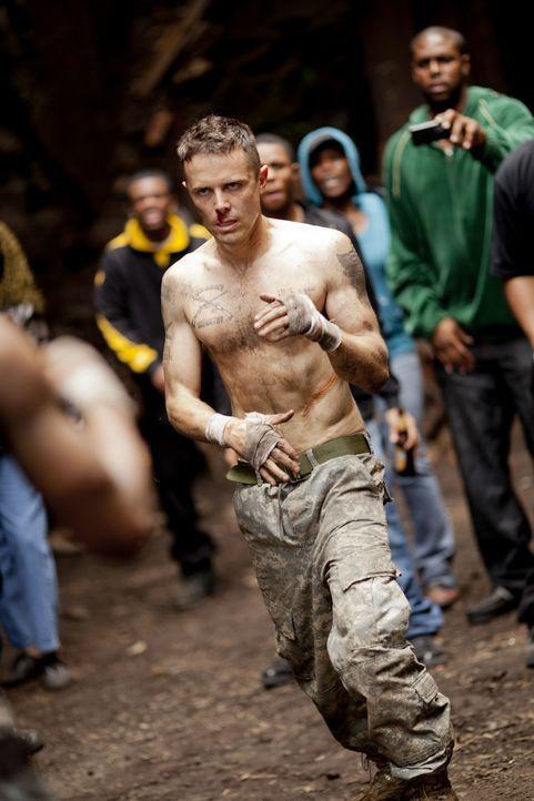 Als sich der traumatisierte Ex-Soldat Rodney (Casey Affleck, M.) mit dem skrupellosen und äußerst brutalen Harlan DeGroat und dessen Gang anlegt, ha... - Bildquelle: Kerry Hayes 2012 Relativity Media