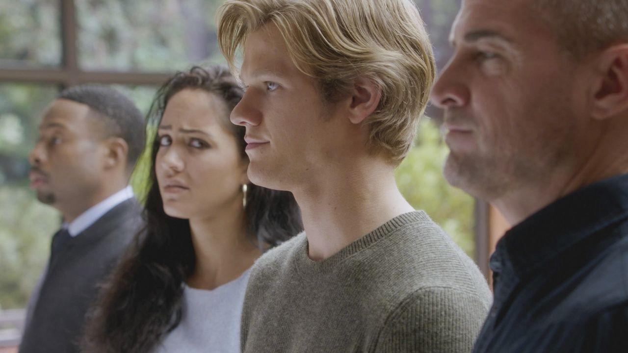 Sie sind ein unschlagbares Team: Bozer (Justin Hires), Riley (Tristin Mays), MacGyver (Lucas Till) und Jack (George Eads, v.l.n.r) ... - Bildquelle: 2016 CBS Broadcasting, Inc. All Rights Reserved