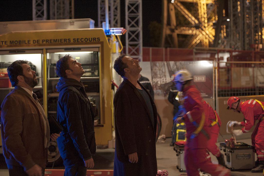 Nach dem Tod von Nina Okoro machen sich Jo (Jean Reno, r.), Marc (Tom Austen, M.) und Normand (Celyn Jones, l.) auf die Suche nach Hinweisen auf den... - Bildquelle: Stéphanie Dupont Atlantique Productions