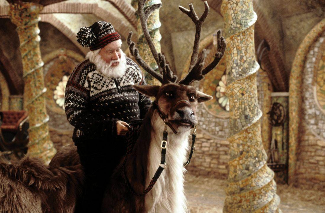 """Laut Vertrag muss sich Santa Clause (Tim Allen) ganz schnell eine Frau suchen und zu allem Übel ist auch noch sein Sohn auf der """"Böse-Kinder-Liste... - Bildquelle: Walt Disney Pictures"""