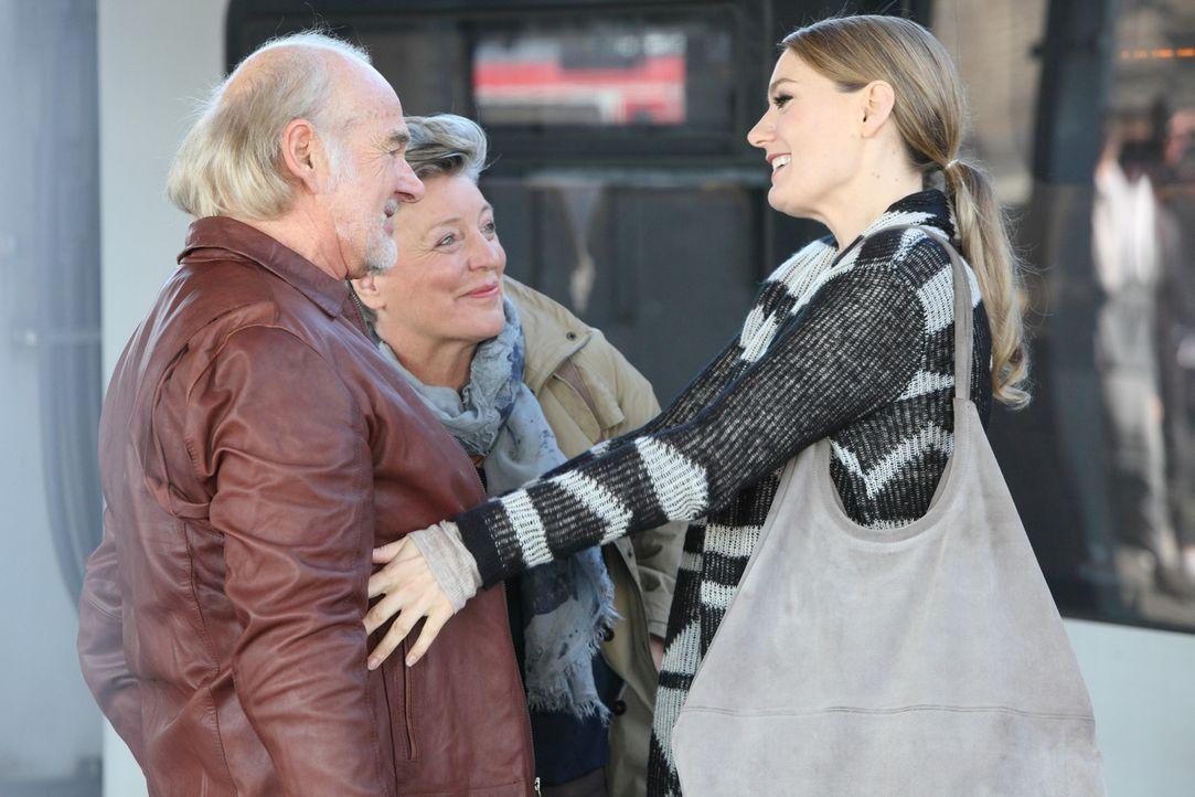 """(4. Staffel) - In """"Knallerfrauen"""" tut Martina Hill (r.) wonach ihr der Sinn steht - hemmungslos und unangepasst ... - Bildquelle: Frank Hempel SAT.1"""