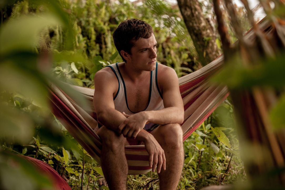 Der Wunsch des jungen Kanadiers Nick (Josh Hutcherson) nach einem Leben im Paradies als Surflehrer zerplatzt plötzlich, als er erkennen muss, dass d... - Bildquelle: 2014 CHAPTER 2 - NORSEAN PLUS - PARADISE LOST FILM A.I.E