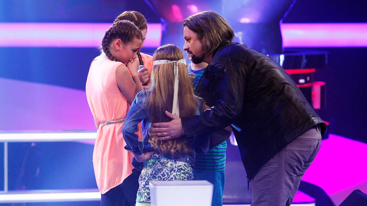 The-Voice-Kids-epi05-FabienneGiulianaGilliana-2-SAT1-Richard-Huebner - Bildquelle: SAT.1/Richard Hübner