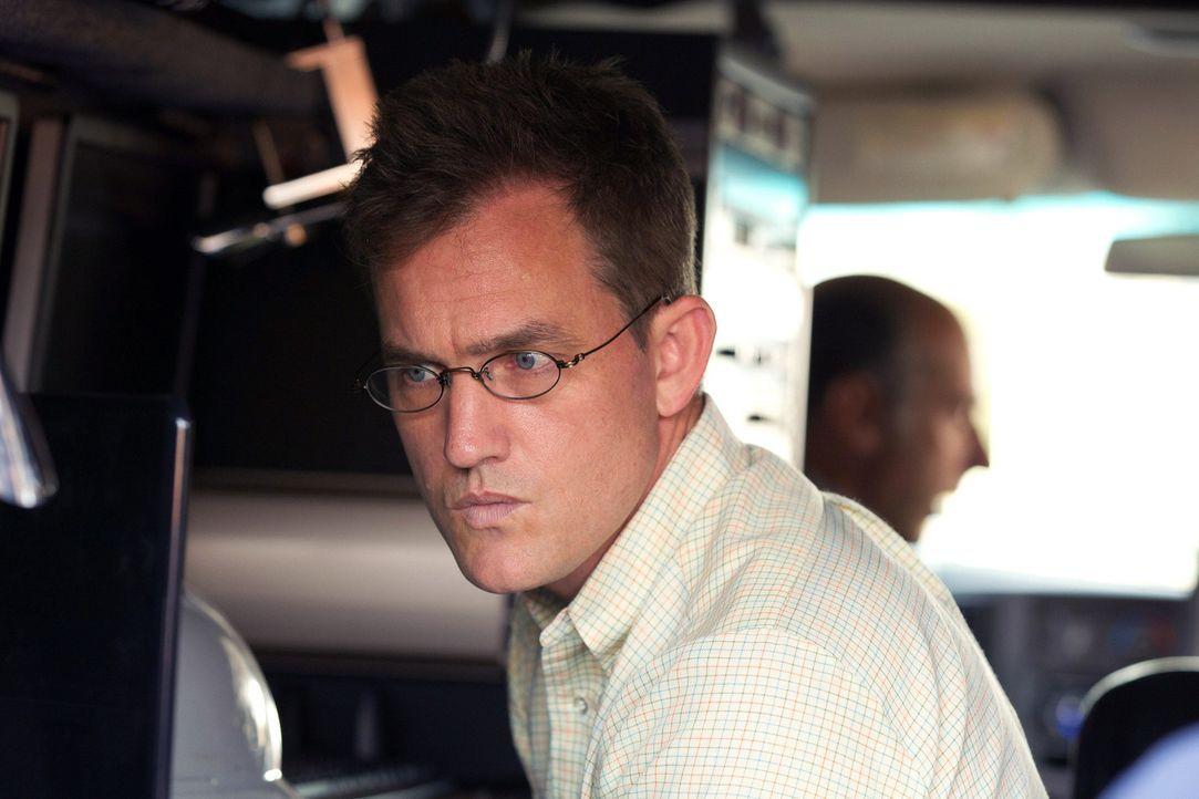 Versucht herauszufinden, wer Peter Quinn wirklich ist: Max (Maury Sterling) ... - Bildquelle: 20th Century Fox International Television