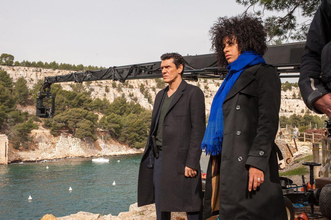 Major Louis Daniel (Marc Lavoine, l.) und Arabela (Lara Rossi, r.) bleibt nur wenig Zeit, um einen Mord zu verhindern ... - Bildquelle: Francois Lefebvre 2013 Tandem Productions GmbH, TF1 Production SAS. All rights reserved.