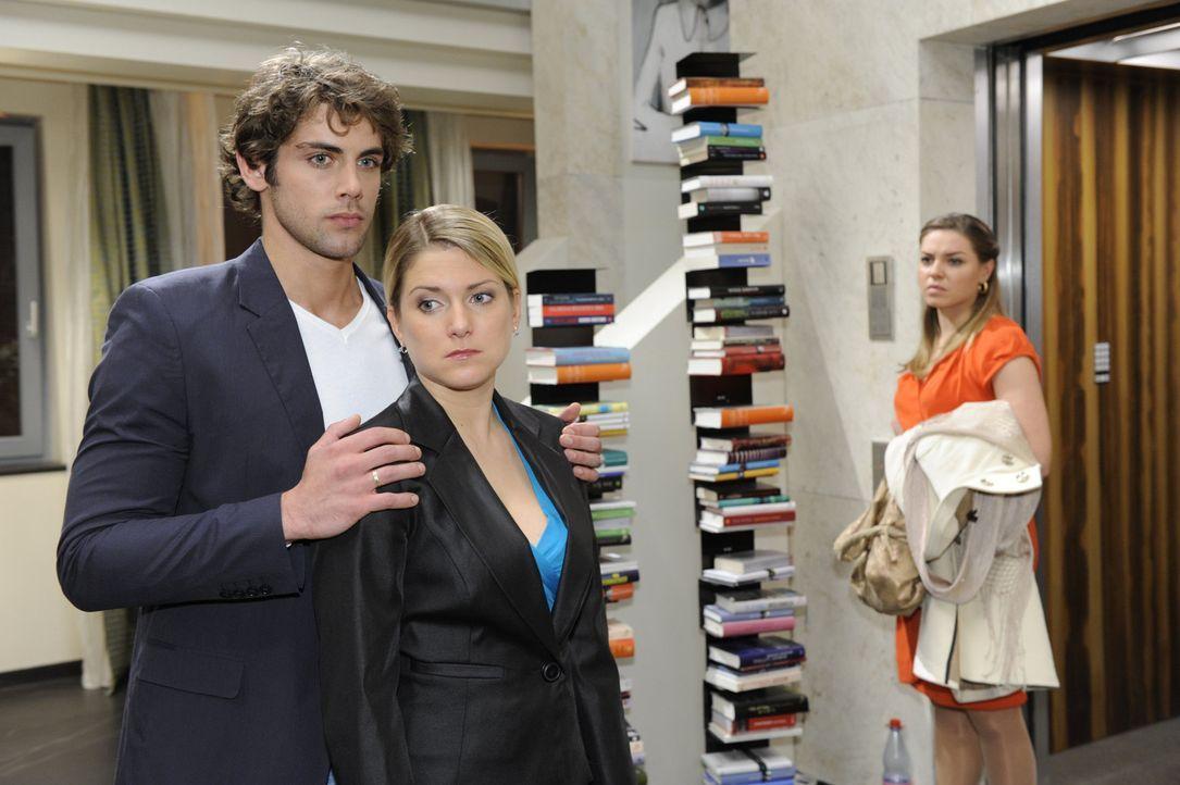 Jonas (Roy Peter Link, l.) und Anna (Jeanette Biedermann, M.) sind von Katja (Karolina Lodyga, r.) enttäuscht und lassen es sie auch deutlich spür... - Bildquelle: SAT.1