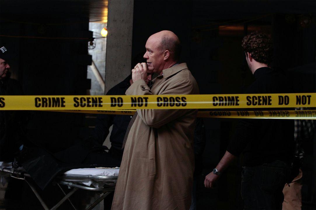 Auf der Suche nach einem Mörder: Mike (Michael Gaston) ... - Bildquelle: 2011 CBS Broadcasting Inc. All Rights Reserved.
