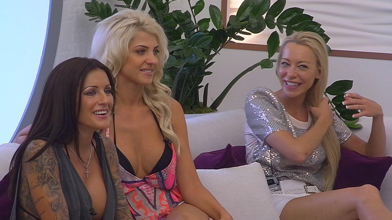 Tag11_Ladys geniessen die Show - Bildquelle: SAT.1