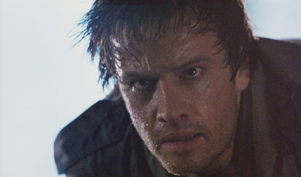 Zwischen Connor (Christopher Lambert) und dem dämonischen Kurgan kommt es in den Straßenschluchten Manhattans zum alles entscheidenden Kampf ... - Bildquelle: 20th Century Fox Film Corporation