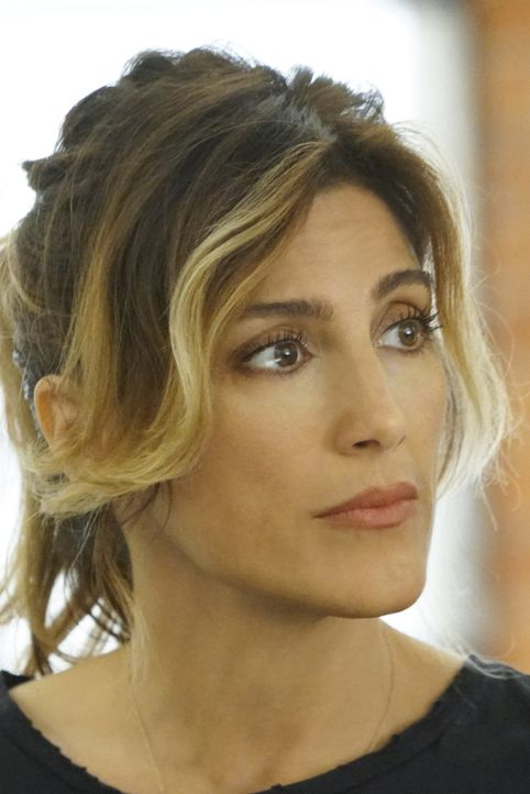 Special Agent Alex Quinn (Jennifer Esposito) soll Gibbs Team beschatten ... - Bildquelle: Adam Taylor 2016 CBS Broadcasting, Inc. All Rights Reserved